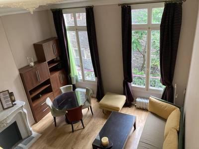 Location meubl�e studio 27m� Paris 16E - 1.200€