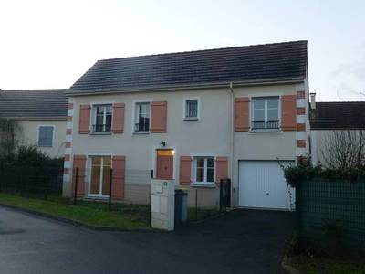 Location maison 88m² Savigny-Le-Temple (77176) - 1.264€