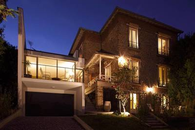Location maison 280m² Suresnes - 5.600€