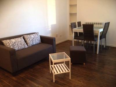 Location meubl�e appartement 2pi�ces 32m� Paris 18E - 960€