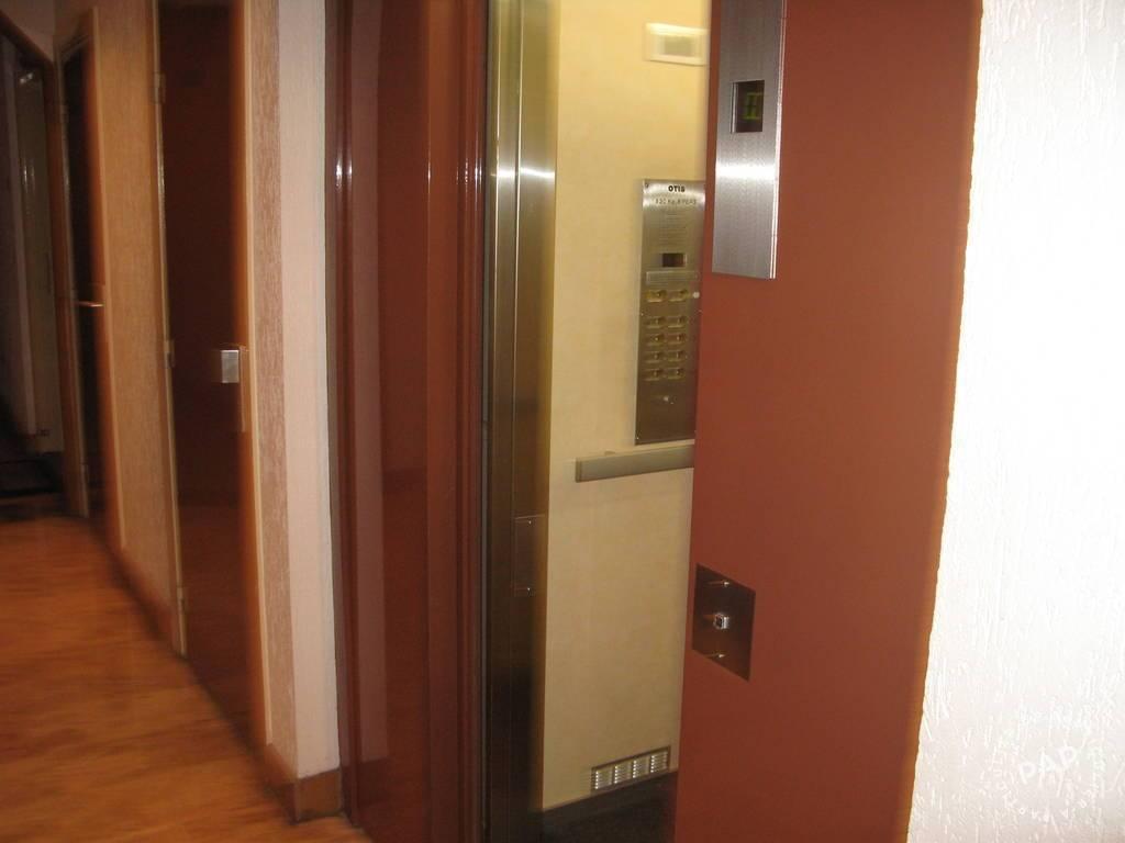 Location Appartement Paris 32m² 820€