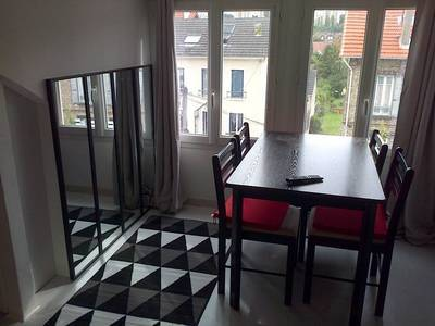 Location meubl�e studio 25 m� Poissy (78300) - 710 €