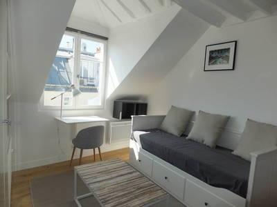 Location meublée studio 21m² Paris 9E - 1.040€