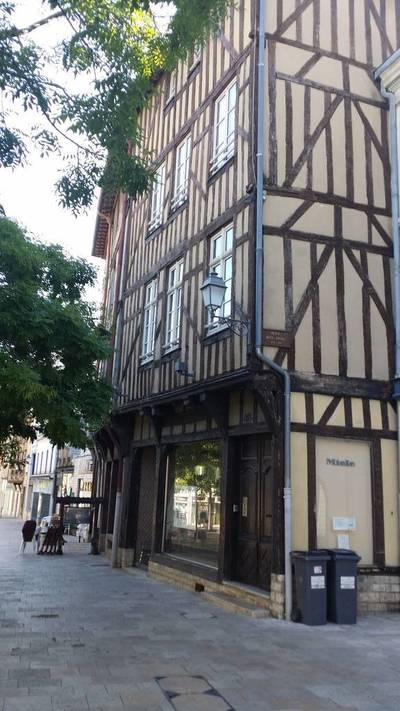 Location appartement 3 pièces 65 m² Troyes (10000) Isle-Aumont