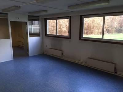 Location bureaux et locaux professionnels 140m� Paris 11E - 3.300€