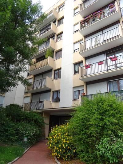 Location appartement 3pi�ces 61m� Ris-Orangis (91130) - 890€