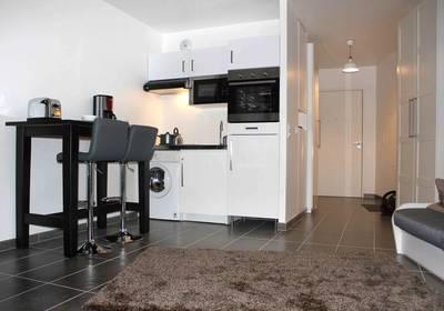 Location meubl�e studio 27m� Paris 19E - 950€
