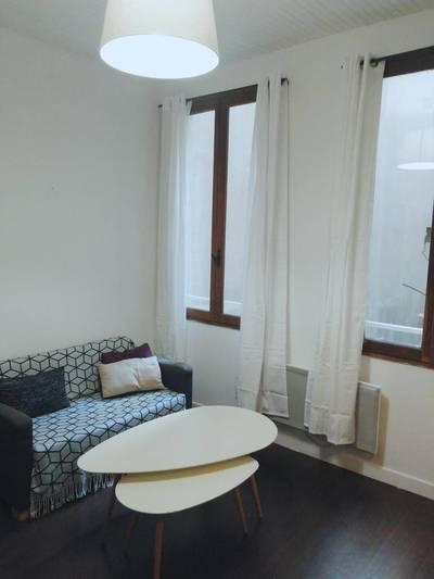 Location meublée studio 24m² Paris 3E - 965€