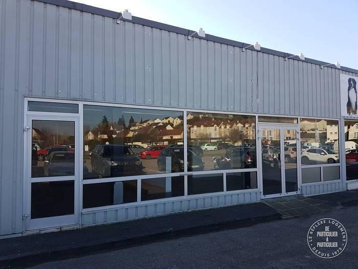 Vente et location Local commercial Hardricourt (78250) 169m² 2.100€