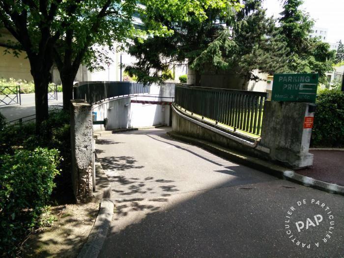 Location garage parking courbevoie 92400 59 e de for Location garage mecanique ile de france