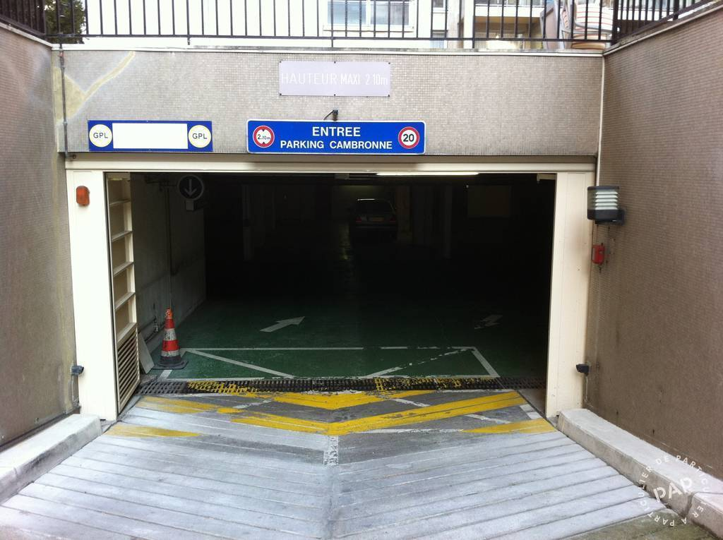 Location garage parking 23 m paris 15e 23 m 180 e for Petit garage paris