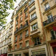 Location meubl�e studio 9m� Paris 7E - 595€
