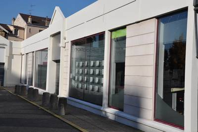 Location ou cession local commercial 281 m� Poissy (78300) - 5.800 €