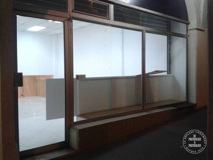 Location Local commercial Sevres (92310) 110 m² 2.100 €