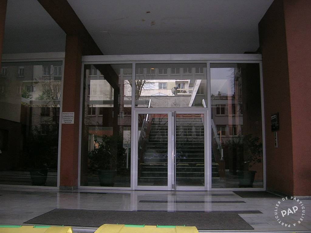 location studio 25 m paris 14e 25 m 850 e de. Black Bedroom Furniture Sets. Home Design Ideas