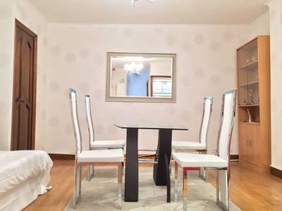 Location meubl�e appartement 2pi�ces 35m� Paris 8E - 1.780€
