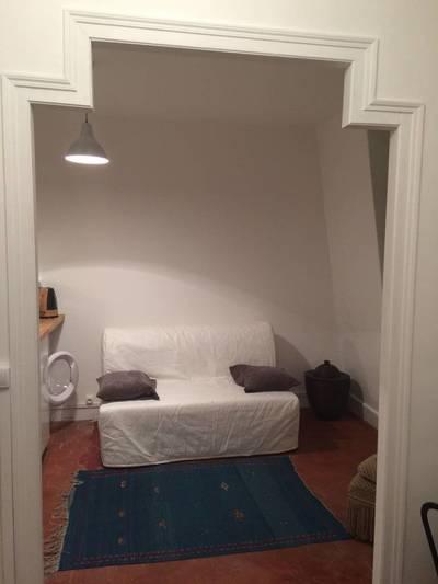 Location meublée studio 26m² Atypique Idealement Situe - 950€