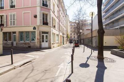 Location garage, parking Paris 11E - 120€
