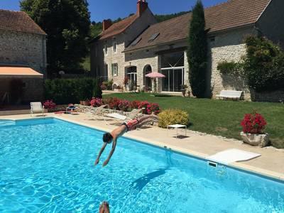 Vente maison 350m� Ebreuil (03450) - 545.000€
