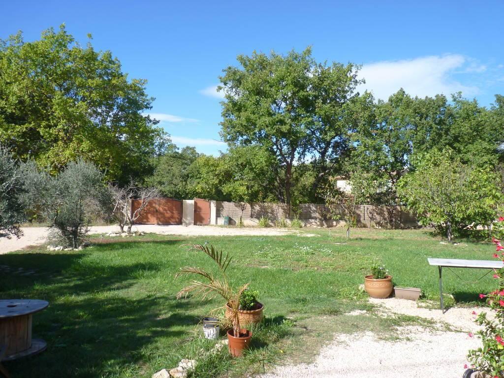 Location meubl e maison 70 m saint cannat 13760 70 m for Amenagement jardin 500m2