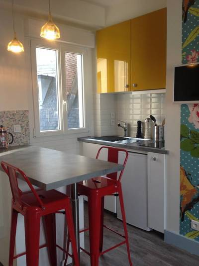 Location meubl�e studio 17 m� Paris 6E - 950 €