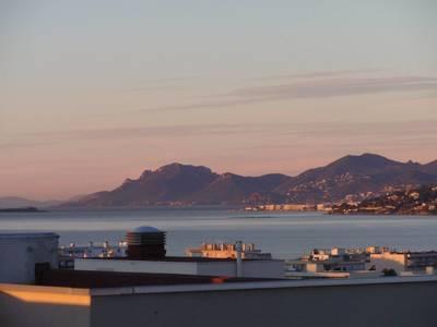 Location meubl�e appartement 3pi�ces 77m� Antibes (06) - 1.300€