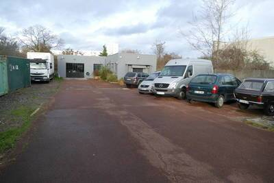 Location local d'activit� 400 m� Pierrefitte-Sur-Seine (93380) - 4.300 €