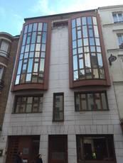 Bureaux, local professionnel Paris 15E - 61m² - 2.500€