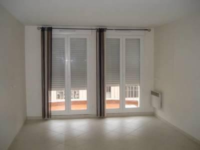 Location appartement 2pi�ces Saint-Andre-De-La-Roche (06730) - 930€