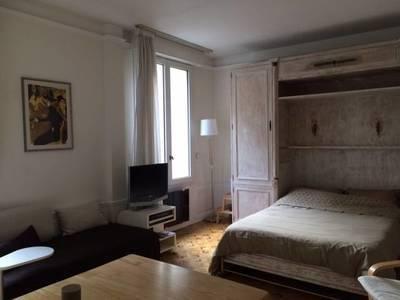 Location meubl�e studio 30m� Paris 18E - 1.160€