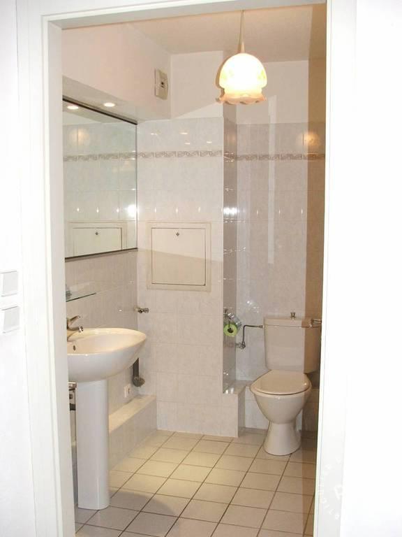 location studio 30 m strasbourg 67 30 m 510 e de particulier particulier pap. Black Bedroom Furniture Sets. Home Design Ideas