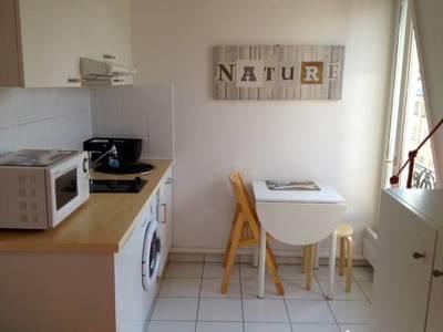 Location meubl�e studio 21m� Paris 6E - 950€