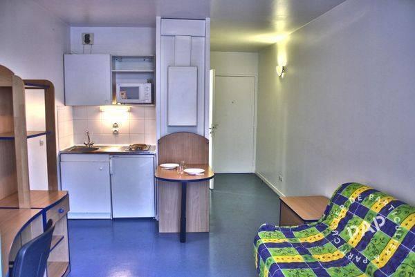 location meubl e studio 20 m issy les moulineaux 92130 20 m 758 e de particulier. Black Bedroom Furniture Sets. Home Design Ideas