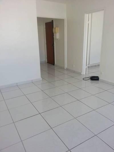 location les ulis toutes les annonces de location les ulis 91940 de particulier. Black Bedroom Furniture Sets. Home Design Ideas
