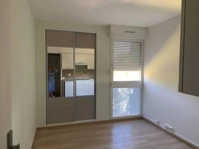 Location studio 15m² Marseille 8E - 480€