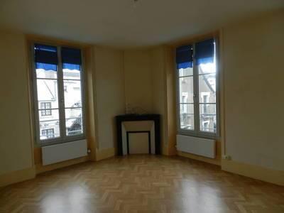 Location appartement 5pièces 82m² Houdan (78550) Dreux