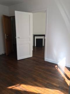 Location appartement 2 pi�ces 38 m� Paris 10E - 1.295 €