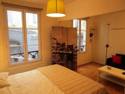 Location studio 27m� Paris 9E - 1.150€