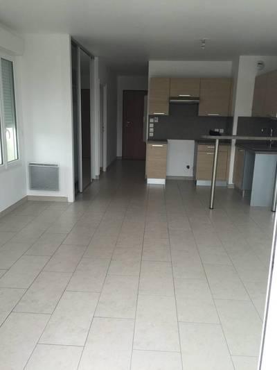 Location appartement 2pièces 47m² Sainte-Genevieve-Des-Bois (91700 - 805€