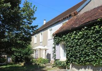 Vente maison 200m² Saint-Amand-En-Puisaye (58310) - 161.000€