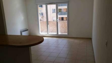 Location appartement 2pi�ces 45m� Marseille 1Er - 620€