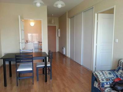 location appartement reims 51000 toutes les annonces de location d 39 appartement reims 51. Black Bedroom Furniture Sets. Home Design Ideas