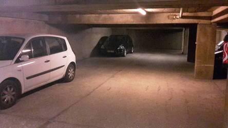 Location garage, parking Paris 11E - 110€