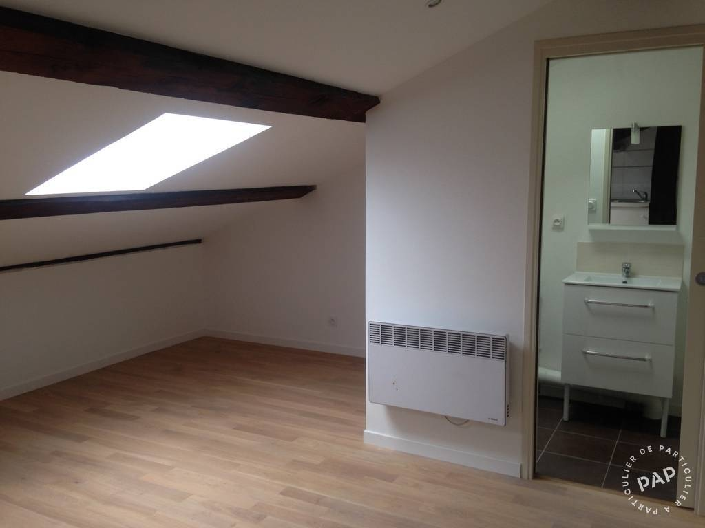 location studio 15 m marseille 1er 15 m 330 e de. Black Bedroom Furniture Sets. Home Design Ideas