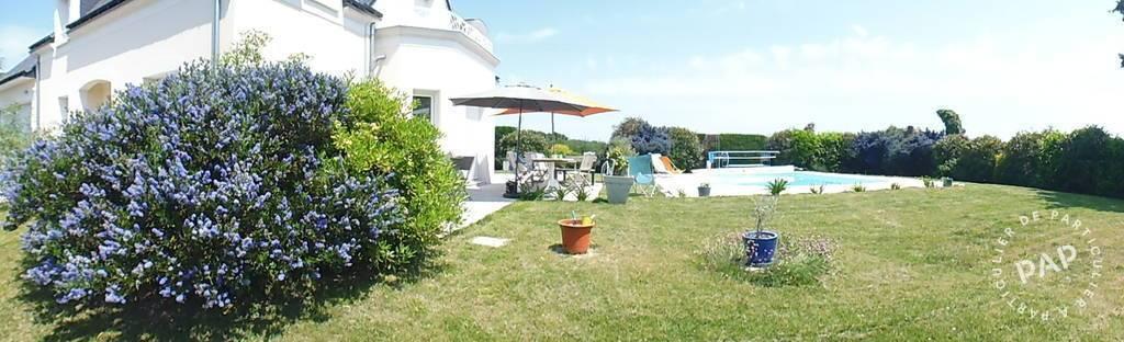 Vente maison 230 m saint leger des bois 49170 230 m for Chauffe piscine au bois maison