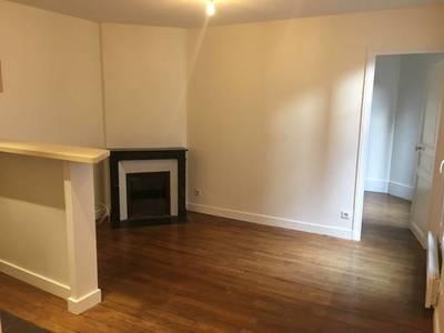 Location appartement 3pièces 45m² Clichy (92110) - 1.039€