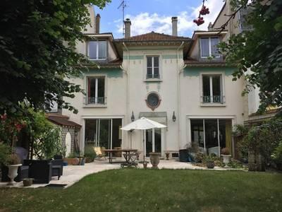 Location meublée chambre 15m² Saint-Germain-En-Laye (78100) - 480€