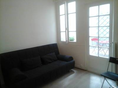 Location meubl�e studio 18 m� Paris 6E - 950 €