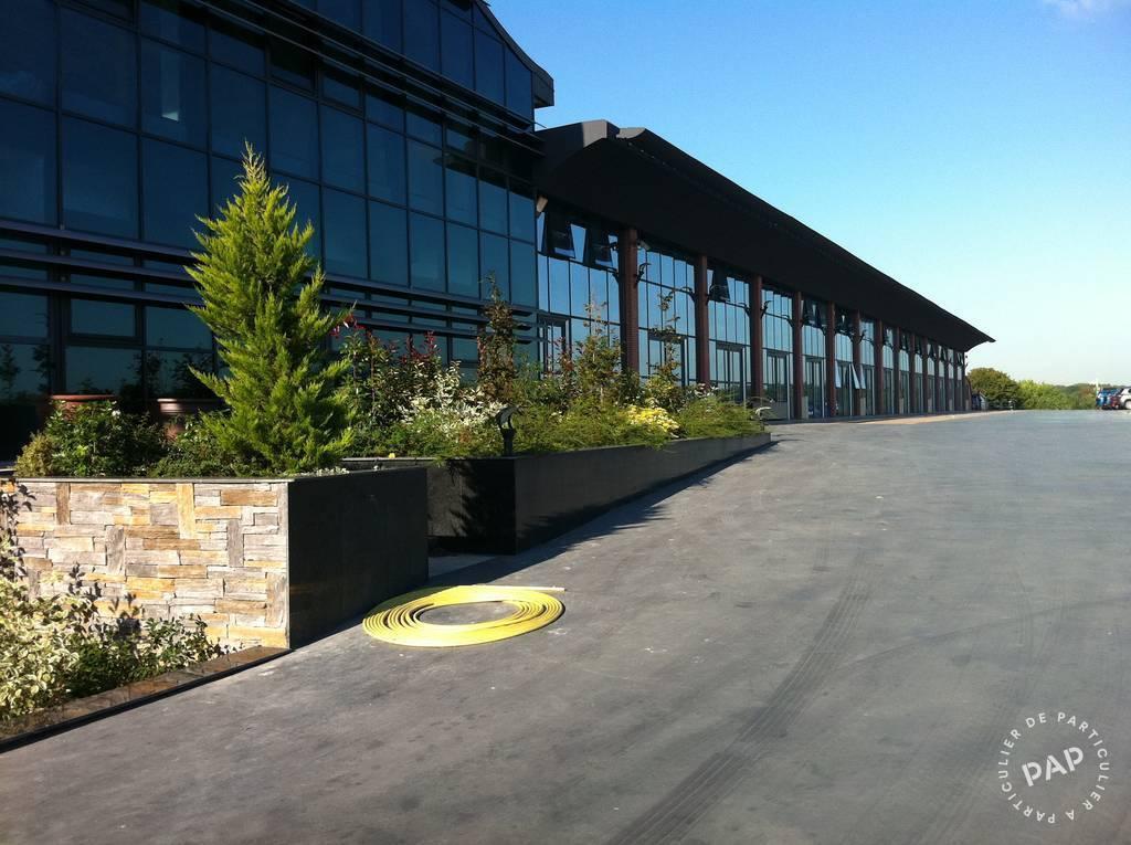 Vente et location Bureaux, local professionnel Emerainville 60m² 750€