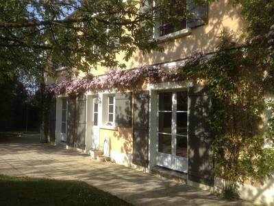 Location meubl�e maison 240m� Chavenay (78450) - 2.900€